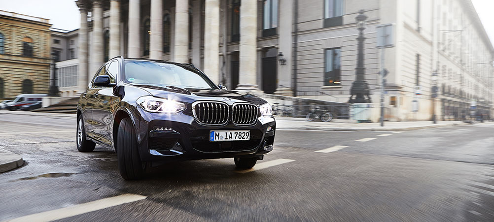 BMW-Team-X3-30e-Business-Edition
